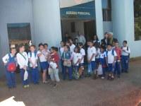 """Alunos da Escola Municipal """"Gonçalves Lêdo"""" visitam a Câmara Municipal."""